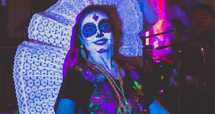 dia de los muertos in miami photo essay south florida news service elaborate face painting is a defining characteristic of dancers participating in the celebration of dia de