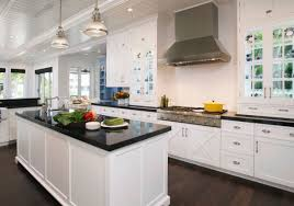 Granite That Goes With White Kitchen Cabinets Dark Granite
