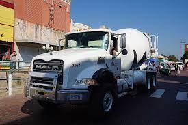 File:2017 Bois d'Arc Bash parade 40 (Martin Marietta Mack Granite cement  truck).jpg - Wikimedia Commons