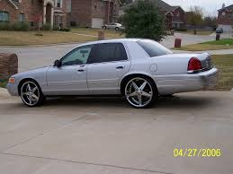 2002 Ford Crown Victoria - Information and photos - MOMENTcar