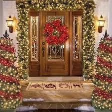 Fresh Festive Christmas Entryway Decorating Ideas_24