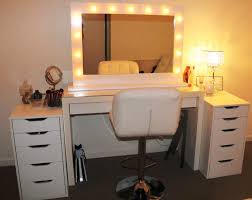 image of hollywood vanity makeup mirror with lights