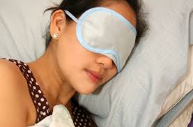 how to get rid of puffy eyelids