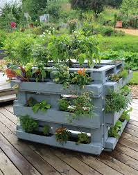 pallet planter ideas cleverly designed
