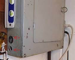 troubled houses electrical award winner ashi home inspector c 2013 hankeyandbrown com electrical service panel uncapped openings on left side