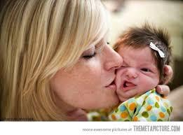 femeie pupa bebe