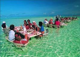 مطعم في البحر جزيرة بورا بورا