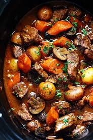slow cooker beef bourguignon the