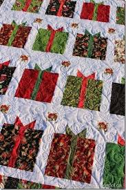 Christmas Quilt Patterns Interesting Christmas Adorned Quilt Tutorial Free Christmas Quilt Patterns