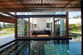 Simple Glass Swimming Pool House At Modern Po - Antilla house interior