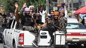 بأمر من طالبان.. ممنوع غسل الملابس عند النهر في أفغانستان!