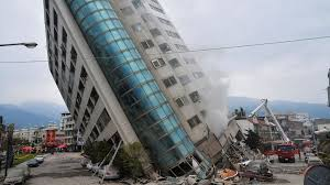 An earthquake (also known as a quake, tremor or temblor) is the shaking of the surface of the earth resulting from a sudden release of energy in the earth's lithosphere that creates seismic waves. Tote Und Verletzte Nach Erdbeben In Taiwan