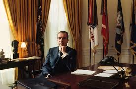 nixon office. Richard Nixon In The Oval Office At White House 1970s. O