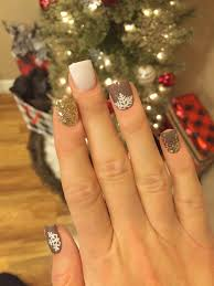 5 Luxury Simple Christmas Acrylic Nail Designs