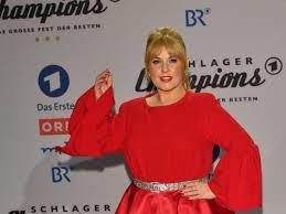 Maite star kelly is an irish singer and actress. Maite Kelly Clip Uberrascht Mit Ziemlich Offenen Einblicken Stars