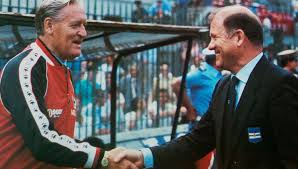 File:Coppa Italia 1984-85 - Milan vs Sampdoria - Nils Liedholm ed Eugenio  Bersellini.jpg - Wikipedia