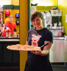 careers fong s pizza looking for a fun rewarding career