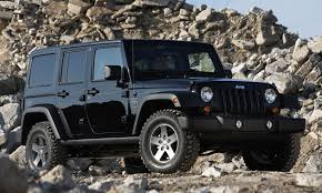 the two door model and 33 500 for the four door the 2011 jeep wrangler call of duty black ops edition es standard with aggressive 32 inch tires