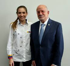 """Eduardo J. Padrón on Twitter: """"Meeting with Fabiana Rosales de Guaido, the  First Lady of #Venezuela, is an honor. Her visit makes me confident that  their country will be free and democratic"""