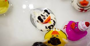 how to clean mouldy bath toys the easy way yuck