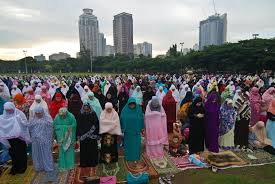 filipino muslims celebrate end of ramadan manila manila