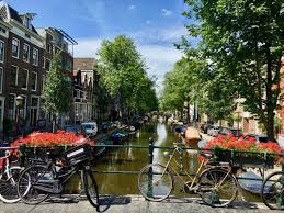 best time to visit amsterdam for