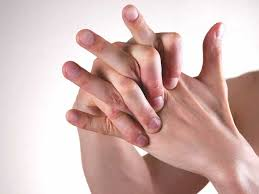 Itchy Fingers: Causes, Treatment, and Prevention