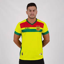 Sampaio corrêa's nickname is bolivianos (meaning bolivians) because its colors are similar to the bolivian ones.the club is also nicknamed tricolor de aço (meaning steel tricolour). Camisa Numer Sampaio Correa Ii 2020 Masculina Amarelo Sciaky