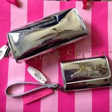 m 546777dfbb27a474431c1258 victoria 39 s secret bags victoria 39 s secret silver glitter stripe makeup nwt victoria