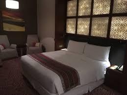 relaxing lighting. Amari Doha Qatar: Super Comfy Bed With Relaxing Lighting