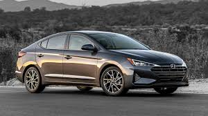 Us Highway Mileage Chart 10 Most Fuel Efficient Non Hybrid Electric Cars For 2019