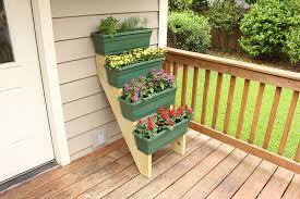 container gardening. Tiered Container Gardening Project
