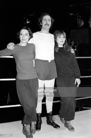 Caitlin Clarke, Andy Kaufman and Debbie Harry at a rehearsal for... News  Photo - Getty Images