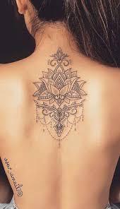 Schöne Mandala Lotus Back Tattoo Ideen Für Frauen