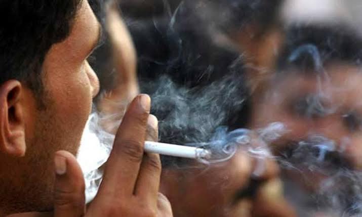موجوہ نظام میں غیر قانونی سگریٹ کی سستے داموں پر فروخت تمباکو نوشی کی حوصلہ شکنی کرنے میں ناکام نظر آتی ہے