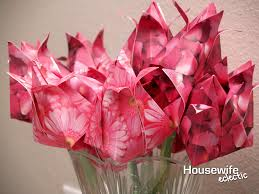 Rose Paper Flower Making How To Make Paper Roses Housewife Eclectic