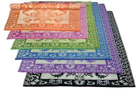 image of outdoor plastic rugs colorful