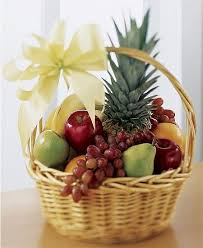 Valentine's Gift : Sweet Fruit Basket Design by aaa fruit