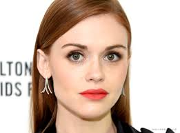 holland s makeup artist used s from temptu smashbox chanel rimmel anastasia beverly hills jo maran nars urban decay mac cle de peau and