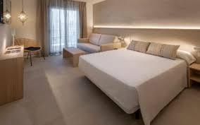 Jeden morgen in einem exklusiven hotelzimmer aufwachen zu können: Fotogalerie Hotel Alhambra Santa Susanna Barcelona