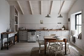emily henderson design trends 2018 kitchen no upper cabinets 06