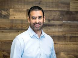 When it comes to real estate, Leo Pareja has all the right moves — Latino  Leaders Magazine