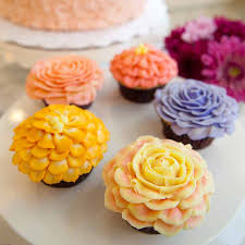 New York Advanced Flower Cupcake Decorating Techniques Fall