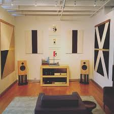 Audio Note UK, Conrad Johnson and Clearaudio equipment. Audio Note AN-K  speakers
