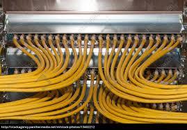 Lizenzfreies Foto 13402212 Großes Netzwerk Mit Netzwerkkabel Im Rechenzentrum