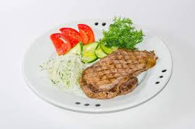 Abnehmen mit Fleisch, Fisch und Bohnen: Die Eiweißdiät ist