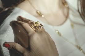 fine jewellery brand si is finally in manila