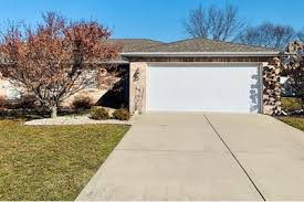 190 Polly Ln, Hobart, IN 46342 - MLS 470476 - Coldwell Banker