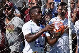 Lateral ex-Lusa volta atrás e não será jogador do Marília em 2020 - Futebol  Interior