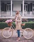 What stylish fashion bloggers wear when bike riding